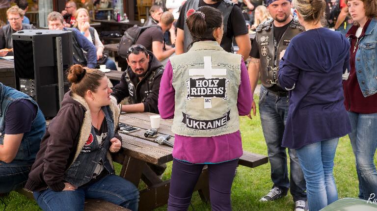 Holy Riders i utlandet